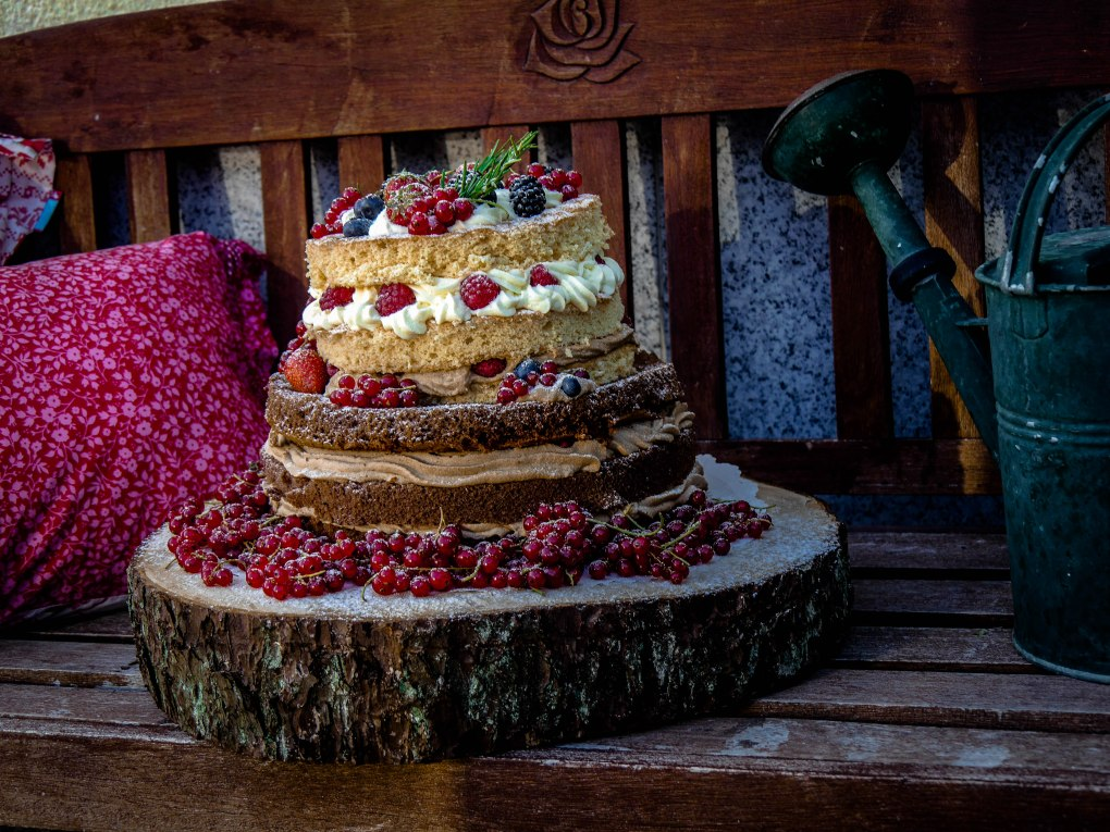 weddingcake-berries